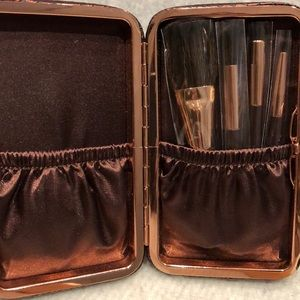 charlotte Tilbury Makeup - Charlotte Tilbury NEVER USED mini brush set